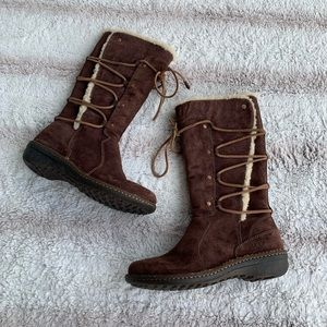 UGG Size 9 Brown Shearling Surfcat Boots
